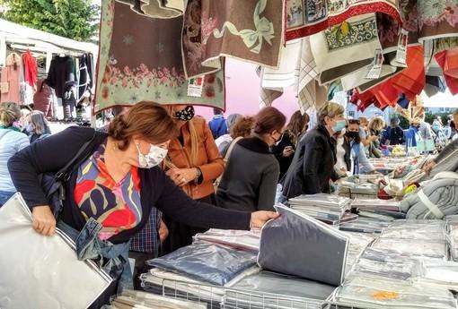 Torna il mercato di Forte dei Marmi, domenica 27 l'appuntamento a San Bartolomeo al Mare