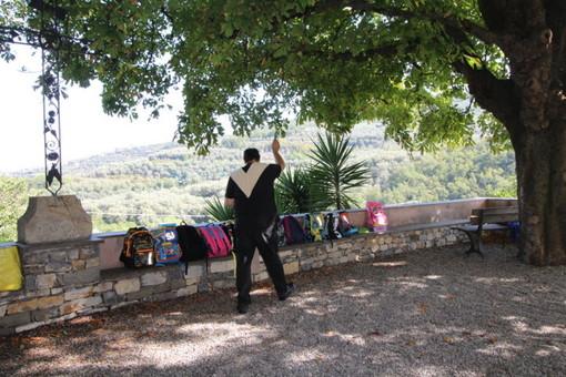 Pontedassio: anche quest'anno si è svolta la benedizione degli zaini scolastici per i bambini e ragazzi della Comunità di Villa Viani