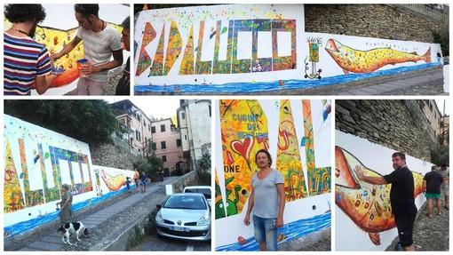 Badalucco ha il suo nuovo murale, l'opera realizzata da Nicola Soriani e... dagli abitanti del paese