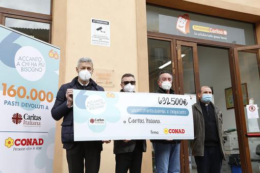 Conad dona 15.600 € alla Diocesi di Ventimiglia Sanremo per aiutare le famiglie in difficoltà
