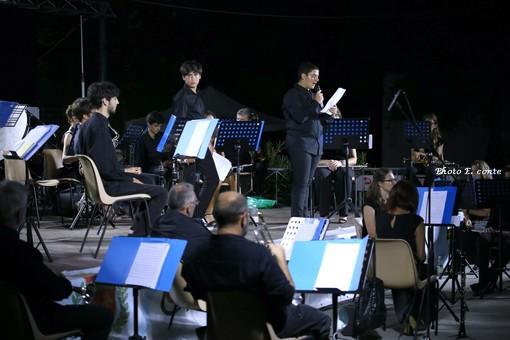 Bordighera, la banda musicale 'Borghetto San Nicolò' regala un emozionante spettacolo ai giardini Lowe (Foto)