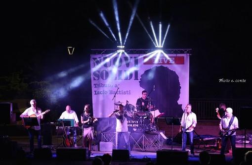 Vallecrosia: grande successo per il concerto dei Nuovi Solidi, le foto della serata