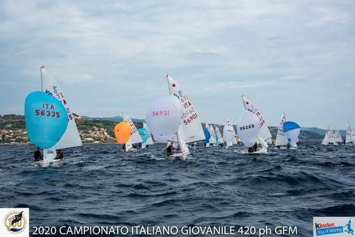 Vela: i risultati del terzo giorno dei Campionati Giovanili 420 Marina deli Aregai