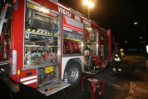 Borgomaro, paura stamani per un incendio divampato in strada Santi Nazario e Celsio: intervento di vigili del fuoco e carabinieri