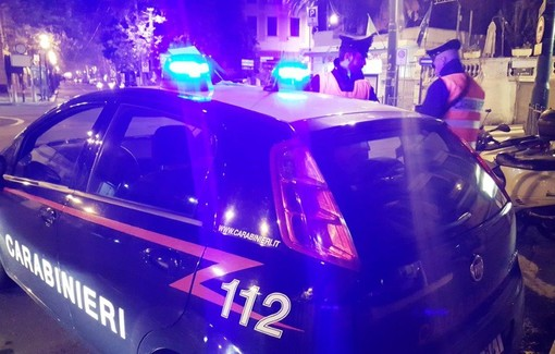 Sanremo: 55enne algerino sfonda il vetro di un'auto per rubare all'interno, arrestato dai Carabinieri