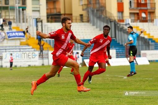 Giovanni Boggian in azione con la maglia del Savona