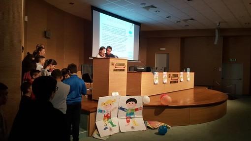 Imperia: auditorium gremito questa mattina per il convegno sui diritti dell'infanzia a 30 anni dalla convenzione Onu (foto e video)