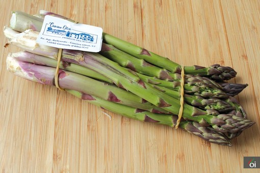 I mercoledì veg di Ortofruit: oggi prepariamo la cheesecake salata agli asparagi