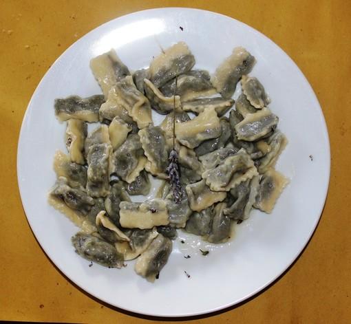 Au Casun di Bajardo (IM) per provare la cucina con olio e essenze di montagna.