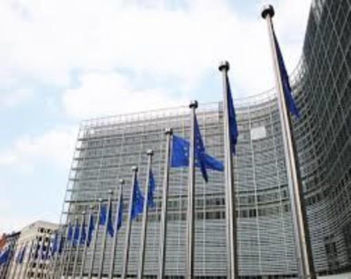 Piano Juncker: forte impatto sull'occupazione e la crescita nell'UEm 1,1 milioni di posti di lavoro in più