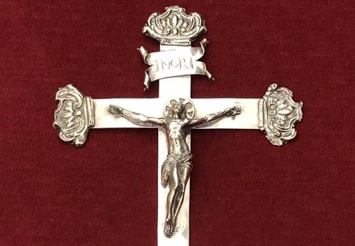 Sanremo: il crocifisso 'ritrovato' del Santuario di Madonna della Costa tornerà nella sede originaria