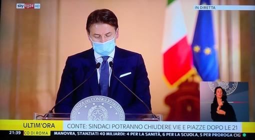 """Coronavirus: Conte """"Dobbiamo scongiurare un nuovo lockdown generalizzato"""". Resta la scuola in presenza"""