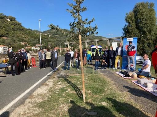 Camporosso: donato da Aceb il defibrillatore in memoria di Monica Ligustro (foto)