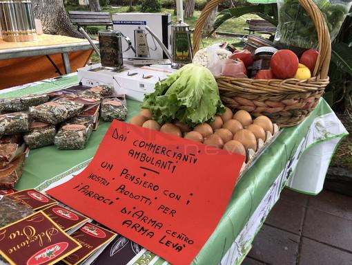 Taggia: i prodotti dei banchi alimentari del mercato del lunedì donati ai parroci di Arma e Levà
