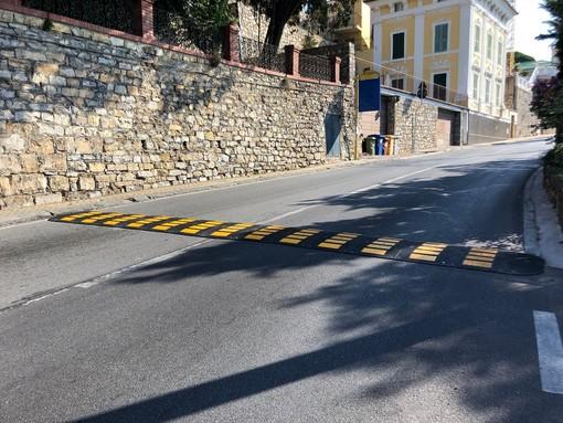 """Imperia: dosso in via Serrati, i residenti """"Adesso finalmente si rispettano i limiti di velocità e si evitano incidenti"""""""