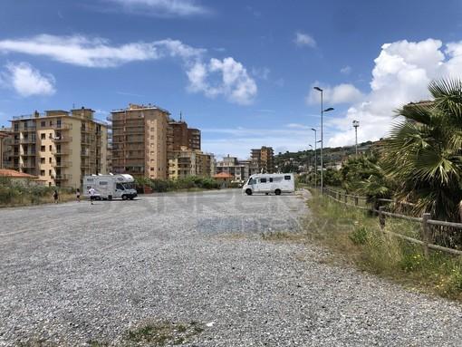 Un nuovo parcheggio gratuito per l'estate ad Arma di Taggia: a breve convenzione tra Comune e Area 24