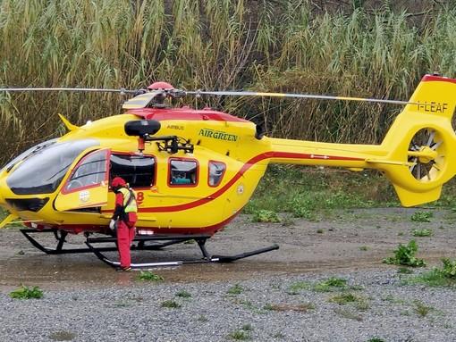Scontro tra uno scooter e un monopattino a Pompeiana, intervento dell'elicottero
