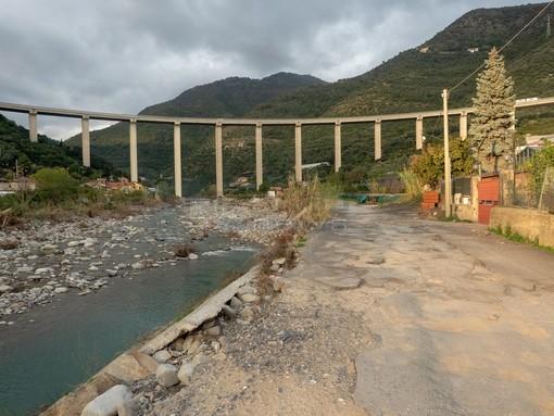 Taggia: espropri per proseguire il tracciato vicino a 'Terre di confine', in alcuni commenti pesanti minacce al Sindaco