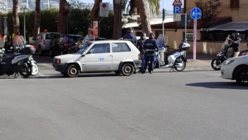 Sanremo. problemi con la fognatura su via Nino Bixio, strada chiusa per alcune ore