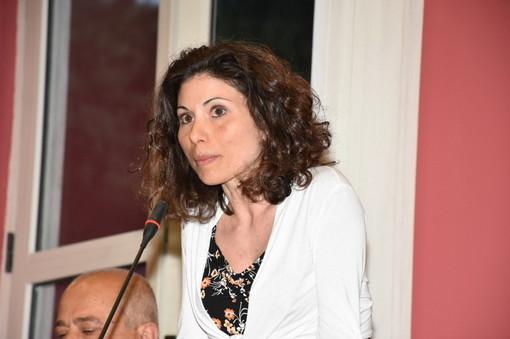 """Ventimiglia: cartelli di sensibilizzazione contro la violenza sulle donne, ma la consigliera di minoranza Leuzzi non ci sta """"Umiliante, non siamo animali in via d'estinzione"""""""