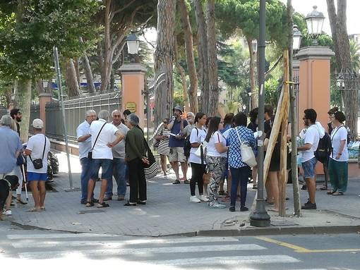 Ventimiglia: fontana rimossa dal Sindaco Scullino, ai Giardini T.Reggio il flash mob di Progetto 20K (Foto e Video)