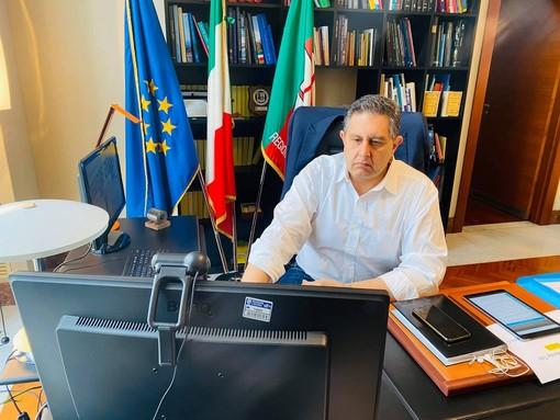 """Coronavirus, l'annuncio di Toti: """"Mille euro in più in busta paga a tutti i sanitari impegnati in prima linea nell'emergenza"""""""