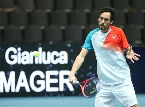 Il tennista sanremese Gianluca Mager in azione