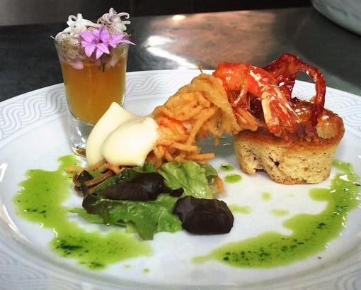 I Fiori nel piatto: Erba Cipollina con shabu di calamari spillo