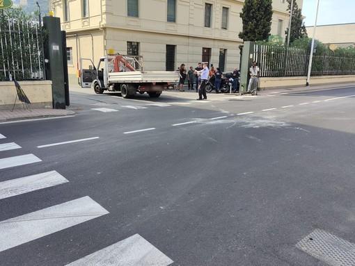 Imperia, incidente in via Garessio: giovane trasportato al 'Santa Corona' di Pietra Ligure (foto)