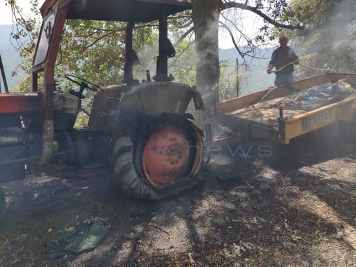 Triora: incendio di un trattore in una campagna, una persona è rimasta intossicata (FOTO)