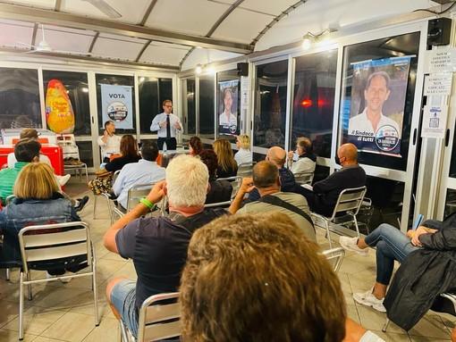 Diano Marina: grande partecipazione all'incontro dell'Assessore Regionale Marco Scajola con i balneari dianesi
