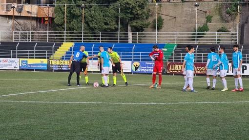 Calcio, Serie D. La Sanremese per i playoff, l'Imperia per l'orgoglio: alle 16:00 il Comunale vivrà un derby magico