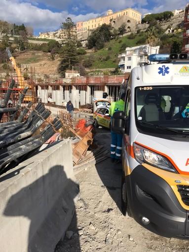 Ventimiglia: incidente sul lavoro nel cantiere di 'Cala del Forte', operaio ferito e portato in ospedale