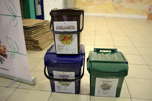 Sanremo: al Palafiori aprono i punti per la distribuzione dei kit per la differenziata, i particolari