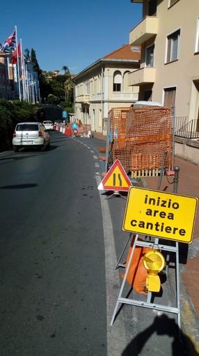 Imperia: parcheggi per disabili, partiti i lavori davanti la sede Inps di via Siffredi (foto)