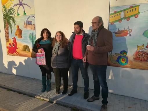 Vallecrosia: sulla passeggiata mare, presentata oggi l'opera pittorica 'La fiaba che non c'è' (foto)