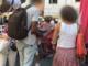 Sanremo: sul mercato un'altra giornata di multe per chi acquista merce da venditori abusivi