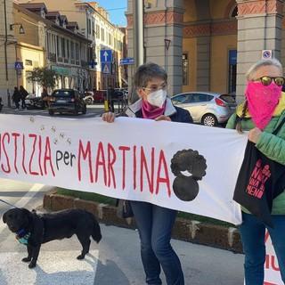 Imperia: alla vigilia del processo sulla morte di Martina Rossi, nuova manifestazione di 'Non una di meno' (foto e video)
