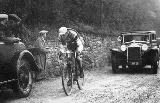 In occasione della 106ª edizione della Milano-Sanremo, ecco il racconto di Andrea Gandolfo della prima edizione (1907)