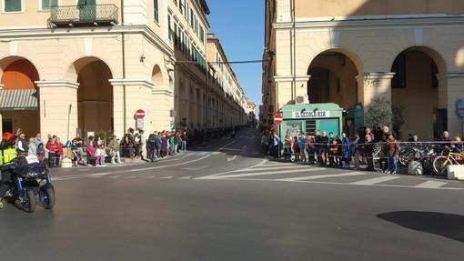 """Milano Sanremo, divieto di assembrarsi per assistere alla gara, ma c'è chi sfida l'ordinanza: """"Sarò al Prino con 20 persone"""""""