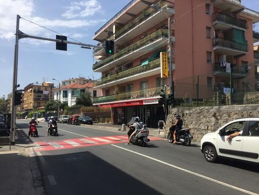 Taggia: guasto all'impianto semaforico di via Aurelia Ponente ad Arma, il Comune mette a disposizione agenti di polizia locale durante l'orario di ingresso a scuola
