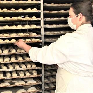 Prodotti di eccellenza e antiche ricette dei maestri artigiani CNA: le focacce e i dolci del Panificio Nervino di Imperia