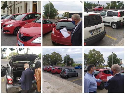 """Sono sette le nuove macchine del comune di Imperia, una in uso al sindaco che annuncia: """"Auto elettriche sosteranno gratis in posti blu"""" (foto e video)"""