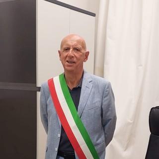 Costarainera, il sindaco Piero Mareri presenta la sua giunta. Vice Vincenza Cozzucoli, assessore Mattia Amoretti