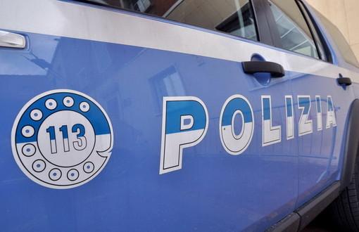 Sanremo: rimasta senza lavoro per l'emergenza coronavirus, dà in escandescenze. Interviene la polizia