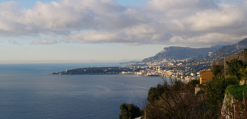 Ventimiglia: 'Non solo spiaggia 15', cinque incontri tra letteratura e musica il sabato pomeriggio