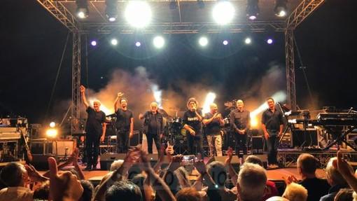 Ventimiglia: successo per il concerto di ieri sera della Premiata Forneria Marconi. Le foto di Enzo Iorio