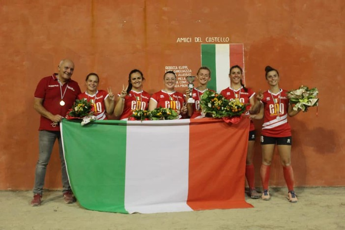 """Pallapugno femminile. Parola al tecnico campione d'Italia, Corrado Agnese: """"Le mie ragazze giovani e bravissime. Vogliamo aprire un ciclo"""""""