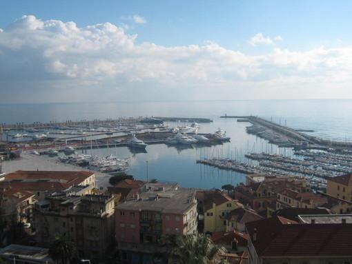 Imperia: controlli della Capitaneria di Porto. Yacht al porto turistico sotto fermo amministrativo