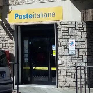 Imperia, 53enne danneggia l'ufficio postale di Via Martiri della Libertà: intervento della polizia locale